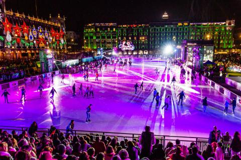 Public skating on the sustainable Glice Zócalo Rink during the inauguration